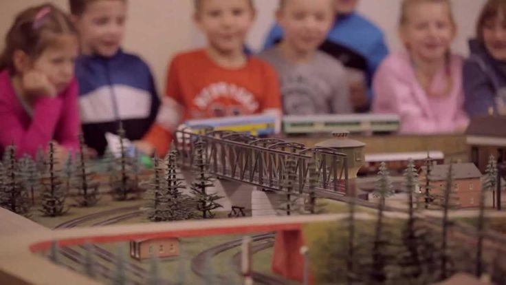 Zapraszamy do Kujawsko-Pomorskiego Zakładu Przewozów Regionalnych! W kolejnym filmie przedstawiamy Laboratorium Prowadzenia Ruchu Pociągów, największą w północnej Polsce makietę kolei.