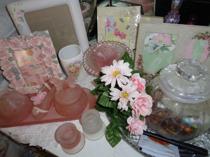 Dressing table trinkets