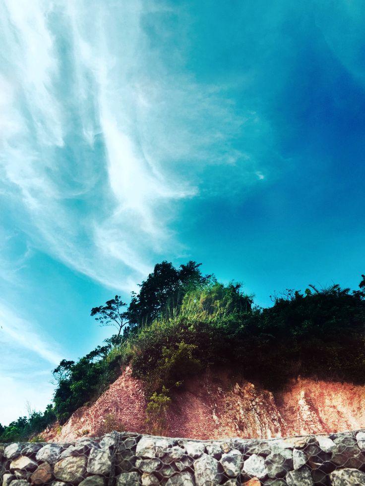 This photo i took it in Chanthaburi. Its  a road by the sea called Kung Vimarn Beach. #Thailand #Travel #Beach #Chanthaburi #Farang