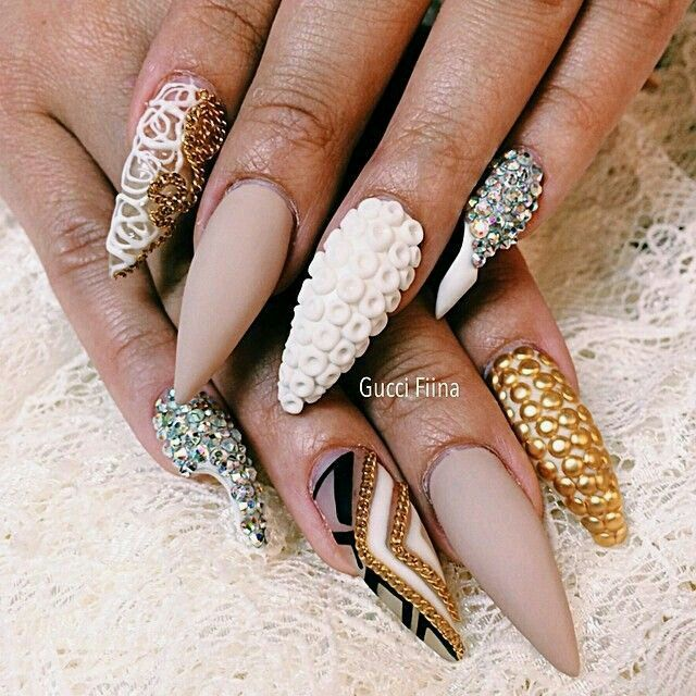 ..gold, nude and white nail art / nail design..