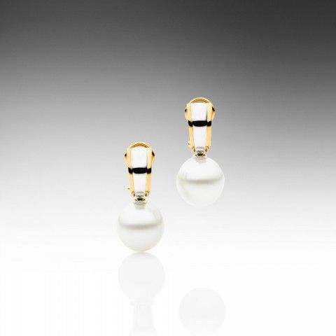 Classic Duet Earrings: Paspaley Pears