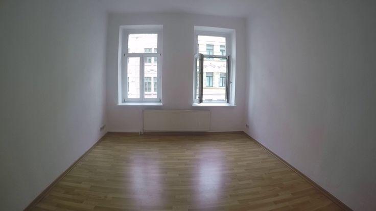 2,5 Zimmer  #Mietwohnung in  #Leipzig -  #Stötteritz #Wohnzimmer #Schlaf...