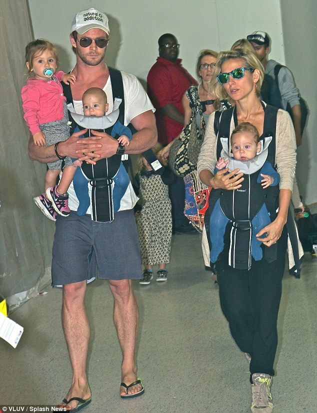 Best Chris Hemsworth Kids Ideas On Pinterest Chris Hemsworth - Dad entertains 5 kids