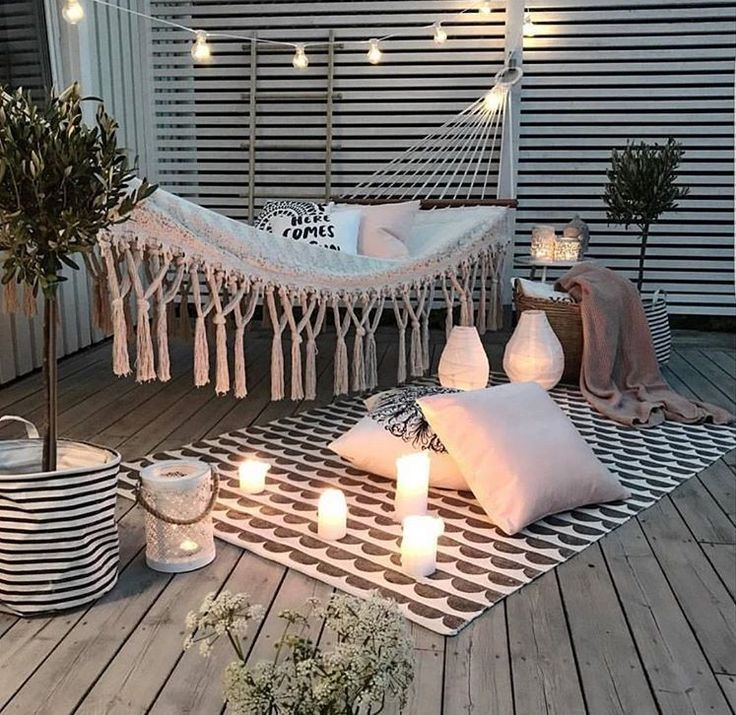 Hamac bougies blanches / balcon idée