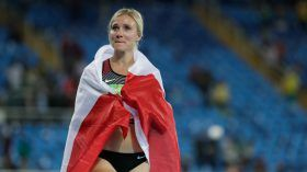 Recovering from a difficult first day, Brianne Theisen-Eatonreeled in three competitors on Saturday to win a bronze medal in the...