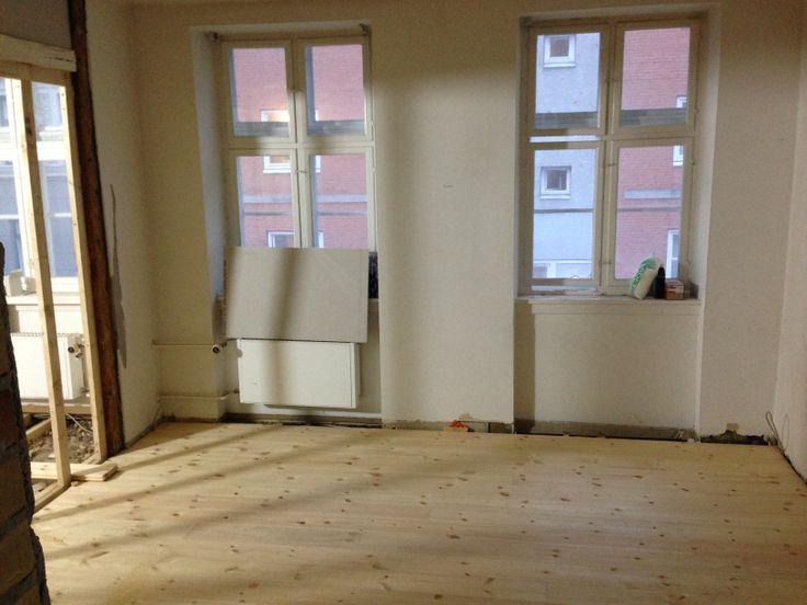 Week 5 - the #floor in my room is done!