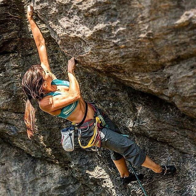 25 Best Ideas About Climbing Girl On Pinterest Drawing