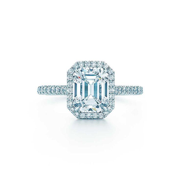 Ma bague de fiançailles parfaite: Tiffany Soleste Bague diamant taille émeraude Bagues de FiançaillesTiffany & Co.