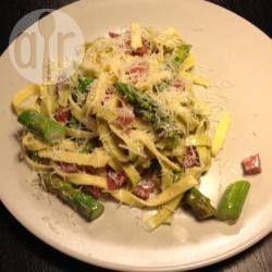 Foto recept: Tagliatelle met asperges en spek
