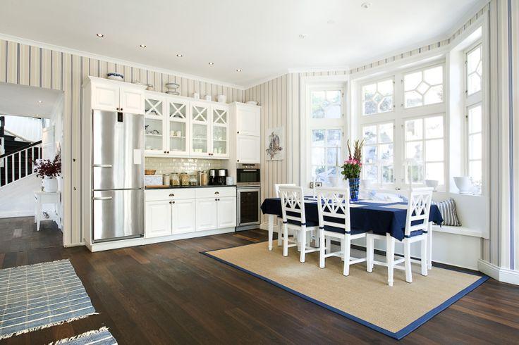 burspr k i k k med soffa alla bilder gjutebrunnsv gen 14 b k k pinterest k k och bilder. Black Bedroom Furniture Sets. Home Design Ideas