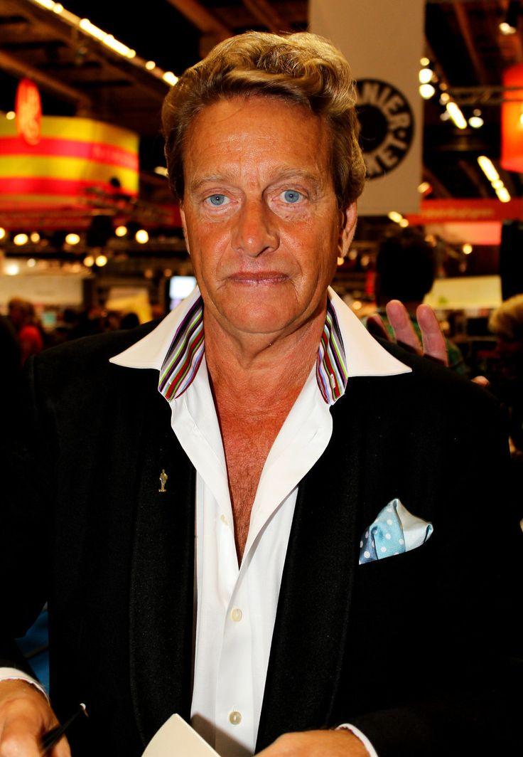 Björn Ranelid bilder   Björn Ranelid svart skjorta lockigt blont hår - Bild 385958 - Posh24