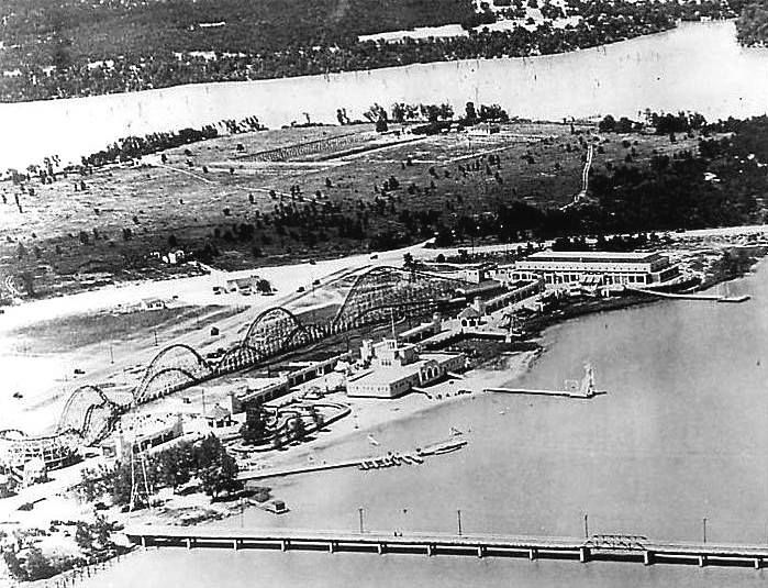 Casino Beach Amusement park on Lake Worth near Fort Worth.  c1940s