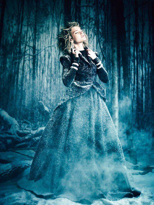 https://i.pinimg.com/736x/61/f7/5d/61f75d08908379551ab9bc18c39df417--fairytale-fashion-paolo-roversi.jpg