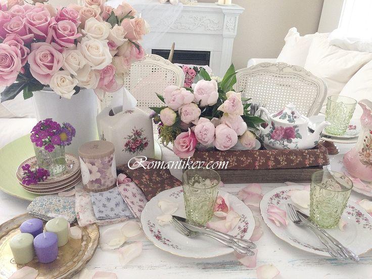 Romantikev.com Kır evi masası