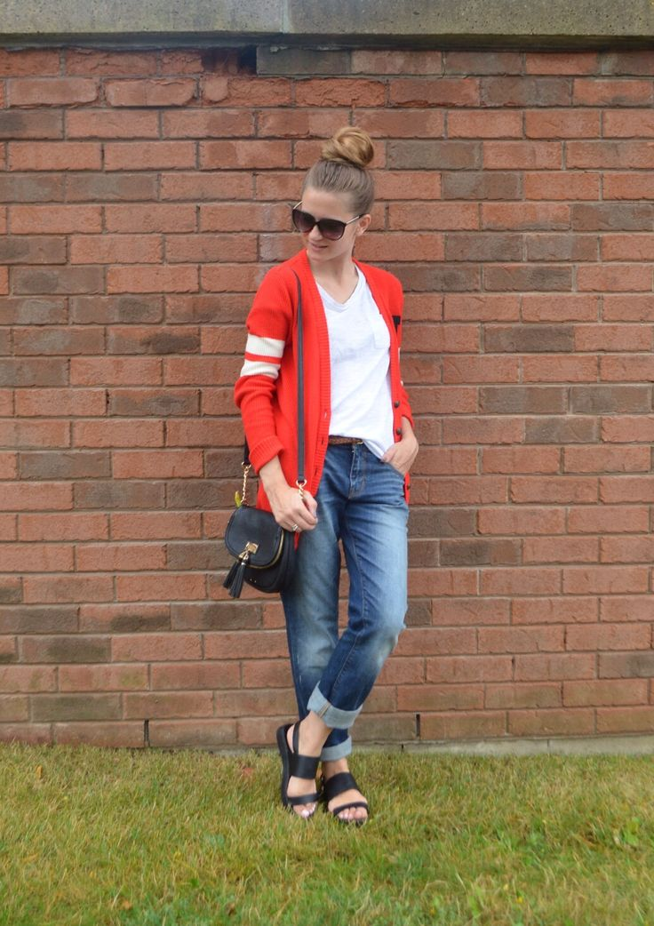 Back to school outfit on www.lessfashionmorestyle.com