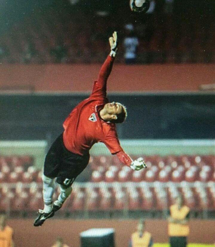 """Rogério Ceni - Tricolor bate o Huachipato-CHI (1x0) - (Fonte: Tricolor do Morumbi retweetado por Michael Serra: """"Um dia vou ter a honra de dizer aos meus filhos que vi Rogério Ceni jogar."""")"""