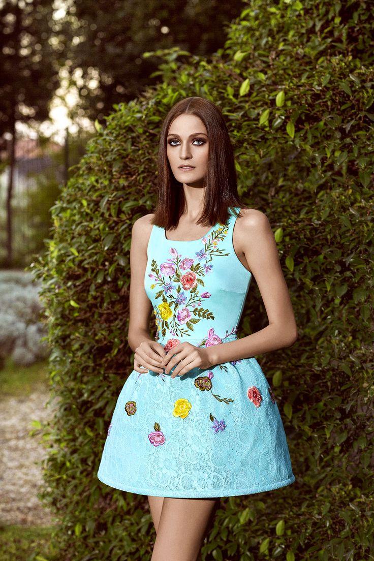 Romantik, zamansız, sofistike... Romantic, timeless, sophisticated... #Alchera #alcheracom #geceelbisesi #elbise #abiye #moda #fashion #stil #style #stylish #pretty #model #dress #shoes #heels #fashiondiaries #wearitloveit #fashionblogger #trend #look #lookbook #lookoftheday #todayiwore #whatiwore #lovethislook #gecemodasi #dressoftheday www.alchera.com