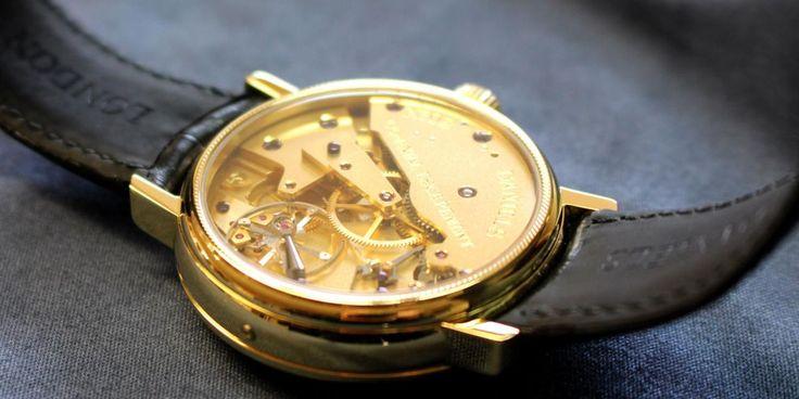 Inside an RW Smith watch (Credit: Chris Baraniuk)