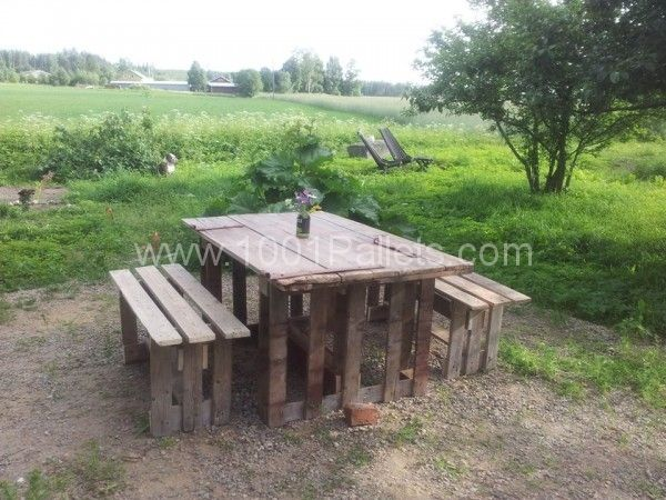 garden table benches from repurposed pallets