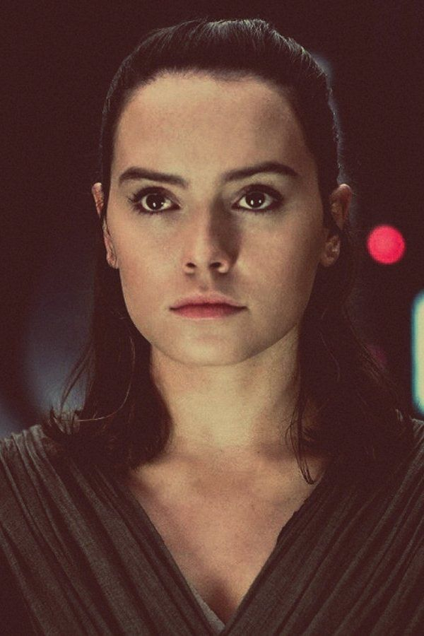 Rey (Daisy Ridley) looks beautiful in this shot.