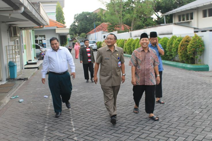 DPW LDII Provinsi Jawa Timur menerima kunjungan Kepala Bakesbangpol Provinsi Jawa Timur Jonathan Judianto di Kantor DPW LDII Provinsi Jawa Timur, Selasa (12/4).