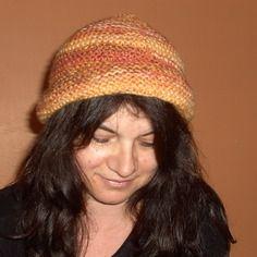 Bonnet doux, tricoté main, pour femme