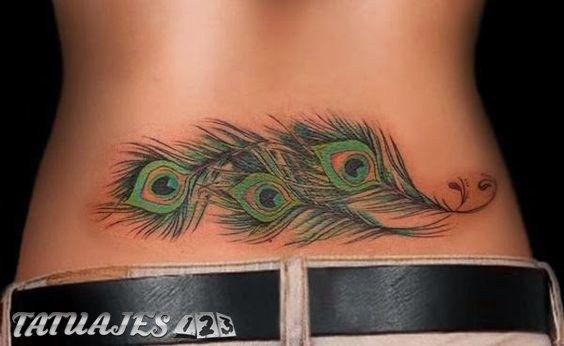Los tatuajes en la zona lumbar o en la parte baja de la espalda siempre han sido una de las grandes ideas para las mujeres. La sensualidad los rodea así como el buen gusto. ¡Descubre los que te mostramos!
