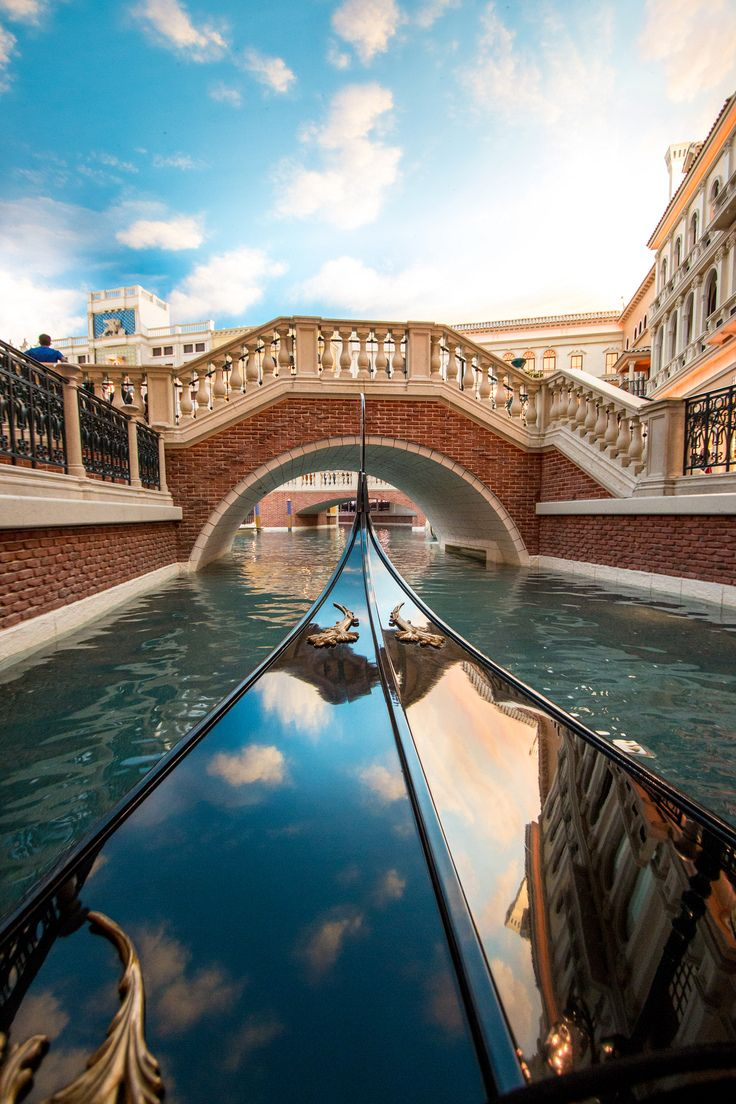 The Venetian Las Vegas has everything in one spot - luxurious accommodation, oodles of pools, delicious food, world-class entertainment, ultimate relaxation and retail therapy. Is it possible to spend an entire vacation in one Las Vegas hotel? TravelWithBender.com