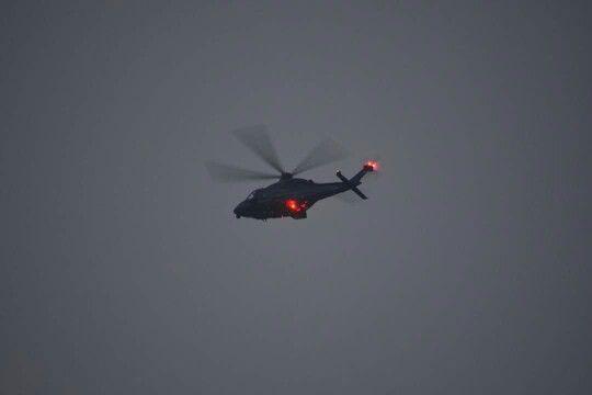 Helicopter boven Spijkenisse