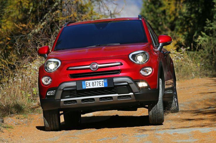 Fiat 500X Cross Plus 2.0 Multijet 140 CV: E' italiana al 100%  Impressioni di guida La nuova Fiat 500X è la prima vettura della sua nutrita famiglia, inaugurata con la 500 classica nel 2007, a essere prodotta in Italia. Più specificamente, l'ultima nata viene realizzata presso lo stabilimento SATA di Melfi che ospita già la produzione del nuovo Jeep Rene...