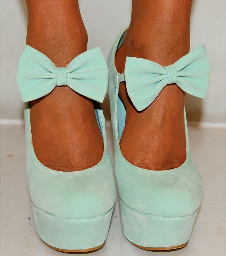mint wedges with bow