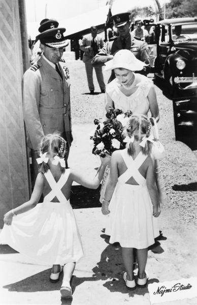Queen Elizabeth II welcomed in Aden, 1954.