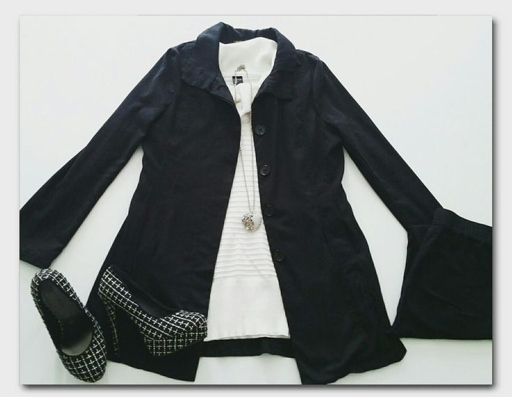 Black coat, white poloneck sweater, black leggings, black and white high heels, heart necklace  #ootd #fashion #whatiwore #fashionidea #winterfashion #workwear #officewear #monochrome #dailyoutfitinspiration