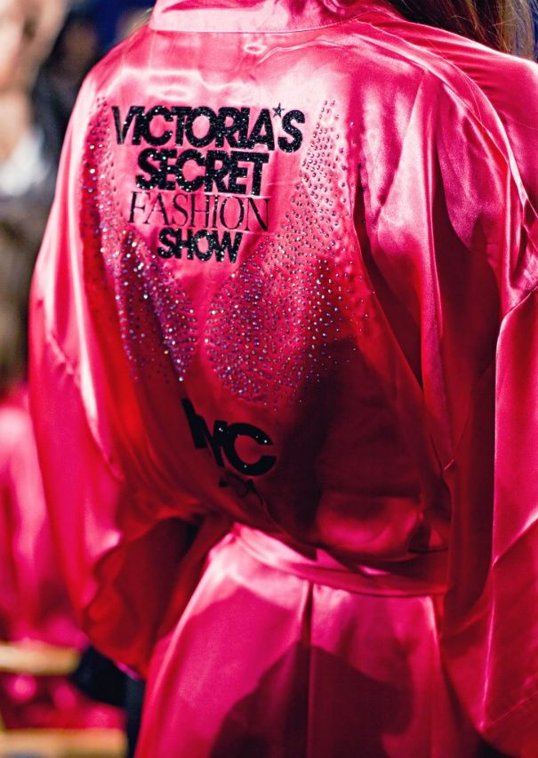 I've always wanted to be a Victoria's Secret model and walk the runway, but that will never happen. But hopefully some day I will be able to come close!!