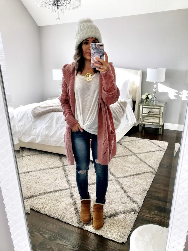 Pink cardigan outfit | Ripped jeans & UGG boots
