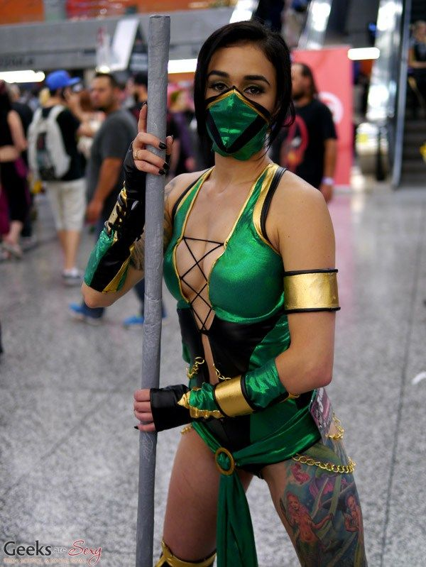 Jade from Mortal Kombat - Montreal Comiccon 2016 - Photo by Geeks are Sexy  Cosplayer Mlle sugar star