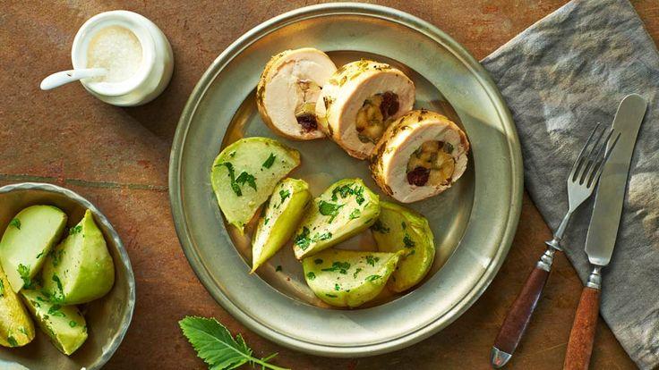 Kuřecí roláda s brusinkovou nádivkou