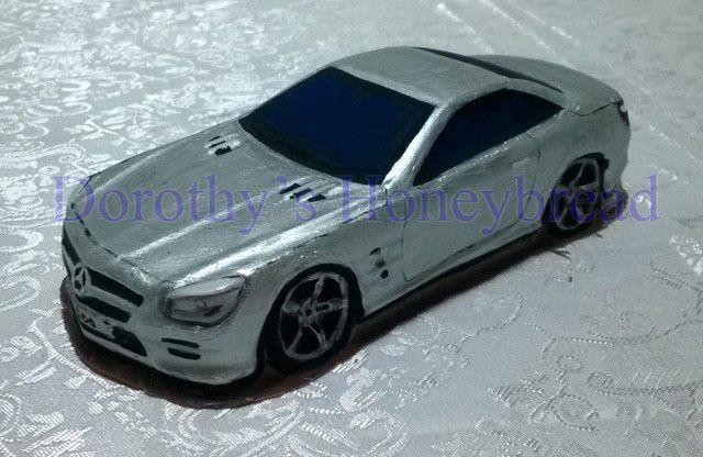 Mercedes SL500 CHOCOLATE CAR! 100% Hand maide, edible.  Milk, dark, white chocolate. 21cm long, 8cm wide, 300g To order please send us a text message or email to: dorothys.honeybread@gmail.com www.dorothyshoneybread.com  #dorothyshoneybread #chocolate #chocolatecar #mercedes #mercedessl #mercedessl500 #sl500 #christmas #gift #chocolatecake #chocolatemodel #choco #merc #chocolatemerc #chocolatemercedes #chocolatemer #mercedessl500 #chocolatesl500