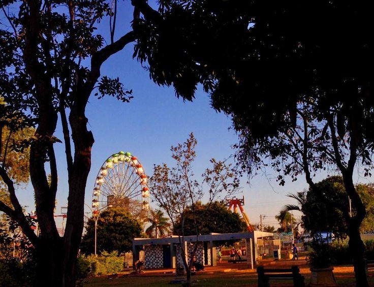 Ferris Wheel  . . . . . #parquedacidade #nicolandia #brasília #nature #skylovers #saved