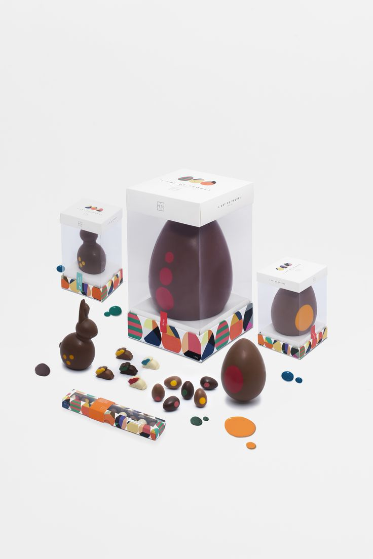 La gama de colores sintoniza con los sabores más dulces convirtiéndose en la verdadera fiesta del chocolate. No te quedes sin probar tus huevitos y conejos de Pascua La Fête #lartdepaques