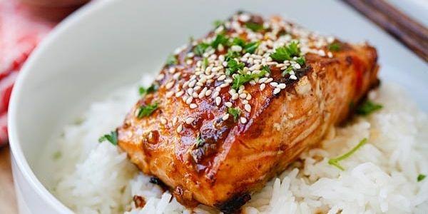 Остро-сладкий медовый лосось под соусом чили