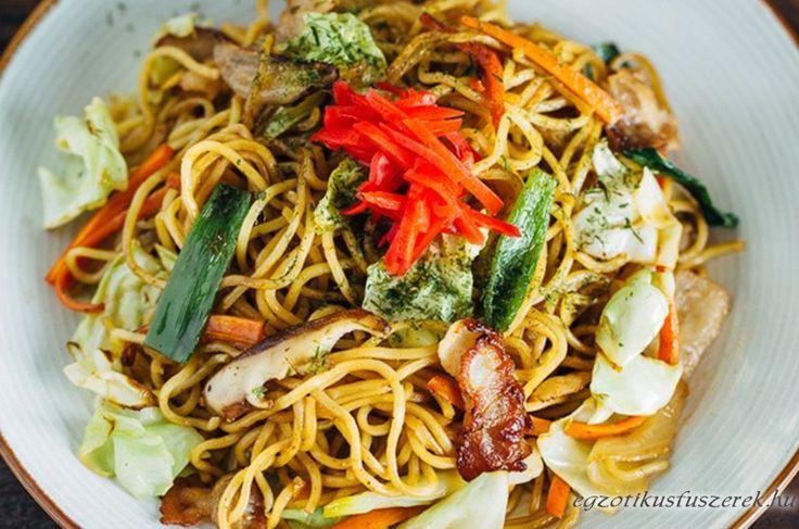 Yakisoba Sülttészta  - Japán és Koreai konyha - Receptek Messzeföldről - Egzotikus fűszerek
