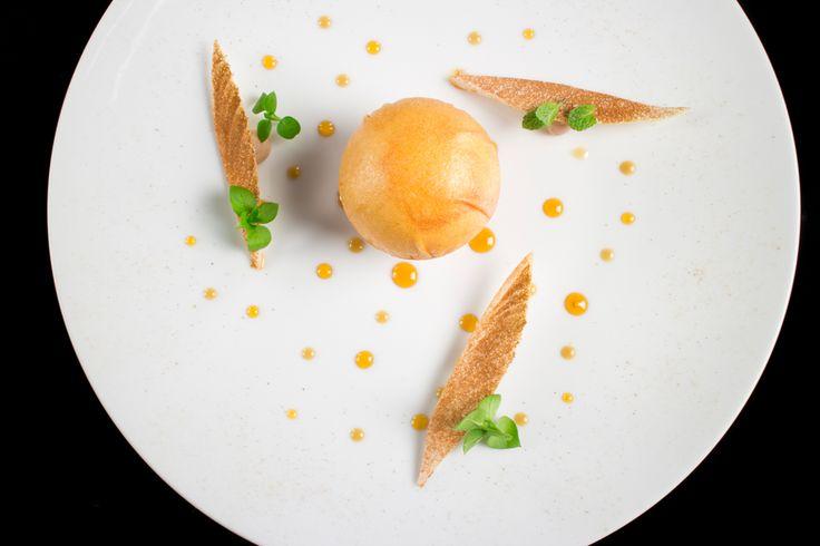 Enrico Crippa | foto Lido Vannucchi | Torta di mele e indivia
