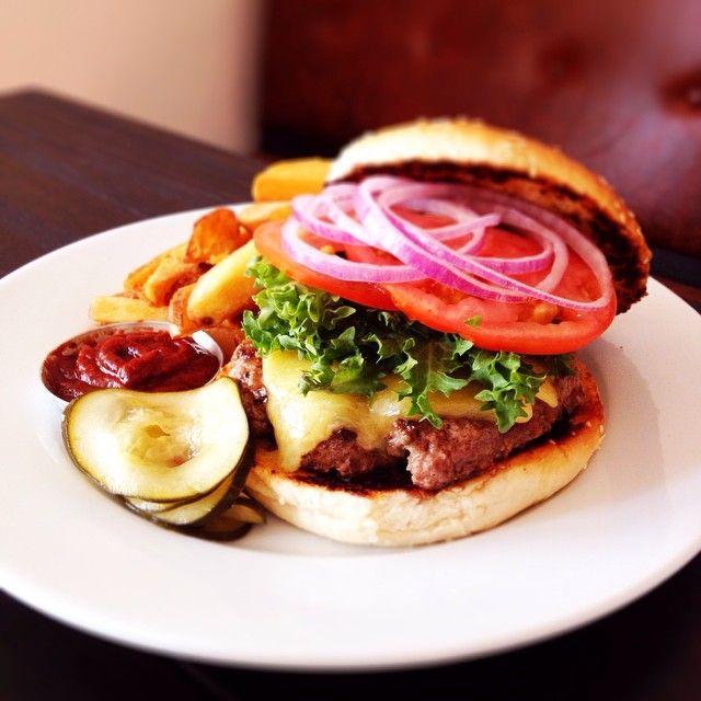 #GuiaAlmagro te invita a conocer El Camino, un restaurante al estilo Texas ubicado en el corazón del Barrio Italia. ¡Disfruta!