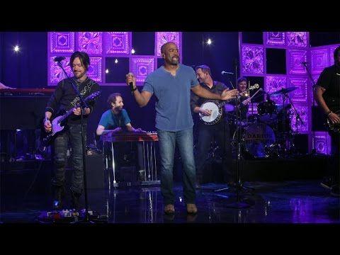 Darius Rucker Performs 'Homegrown Honey'