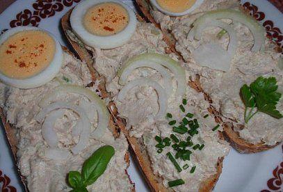 Jednoduchá pomazánka z uzené makrely - recept. Přečtěte si, jak jídlo správně připravit a jaké si nachystat suroviny. Vše najdete na webu Recepty.cz.