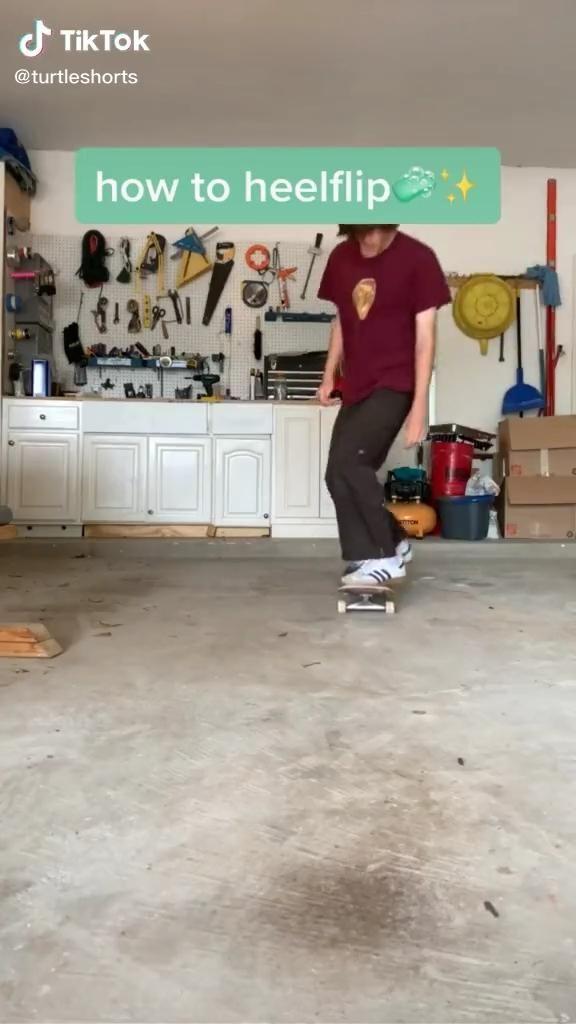 How To Heelflip In 2020 Skateboard Beginner Skateboard Skateboarding Tricks
