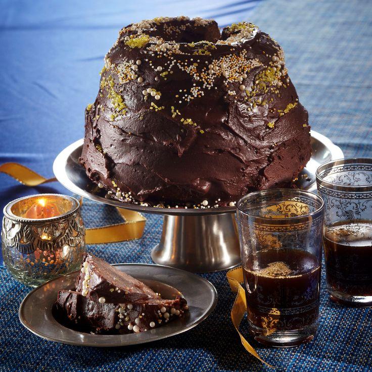 Arabialainen maustekakku on kuivakakkujen klassikko. Kuorrutus kruunaa kakun.