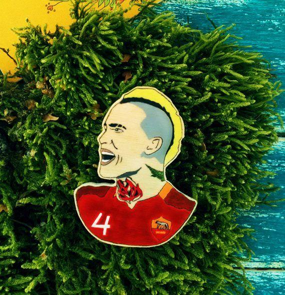 AS Roma football player Radja Nainggolan wooden pin, Belgium team, soccer, Italy, Rome, Totti,  giallorossi, brooches, seria a, sport, punk