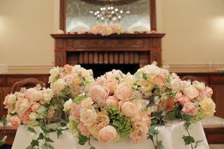 夏の装花 リストランテASO様へ あじさいのチェアフラワーとコーラルピンクの画像:一会 ウエディングの花